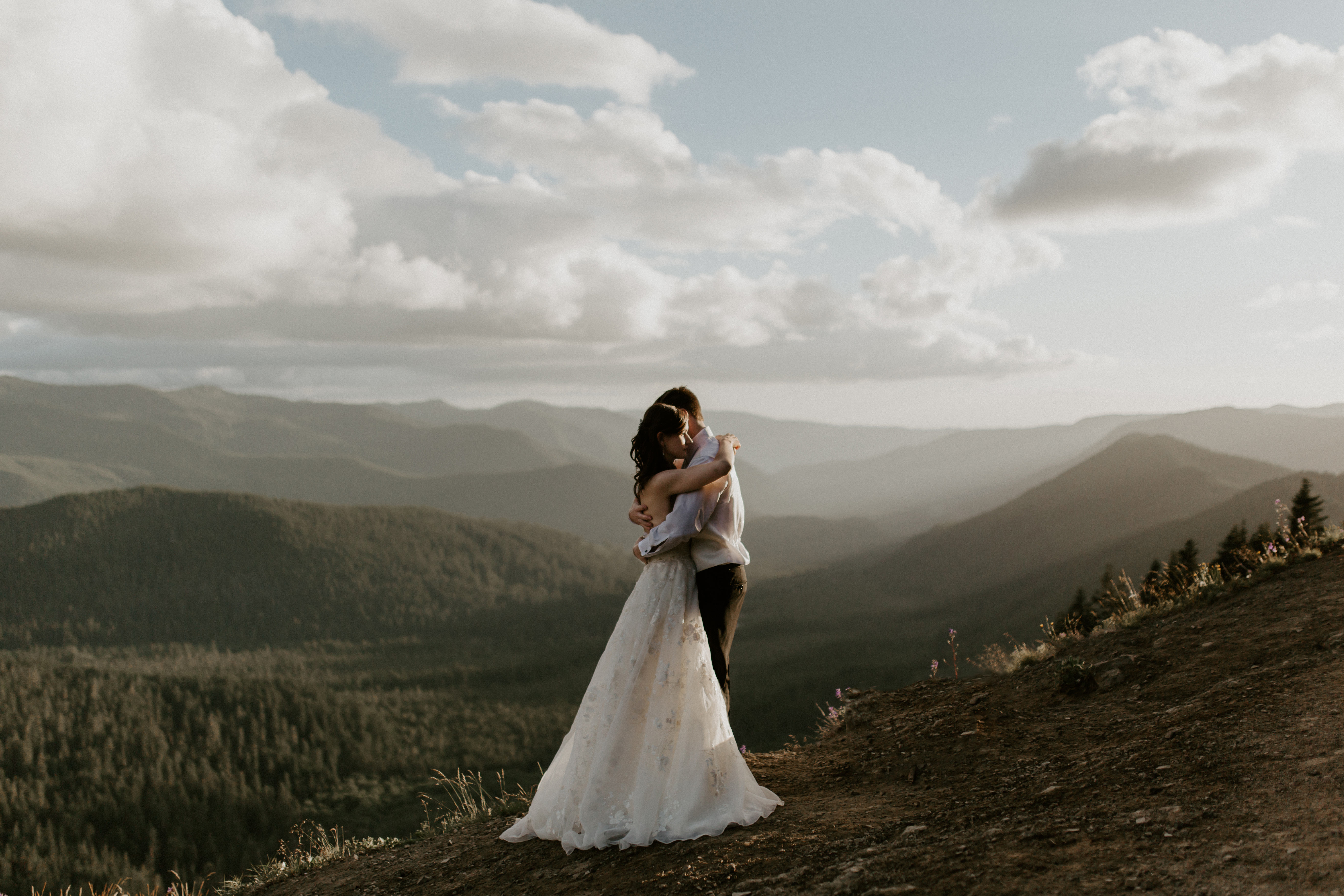 Mount Hood adventure elopement in Oregon.