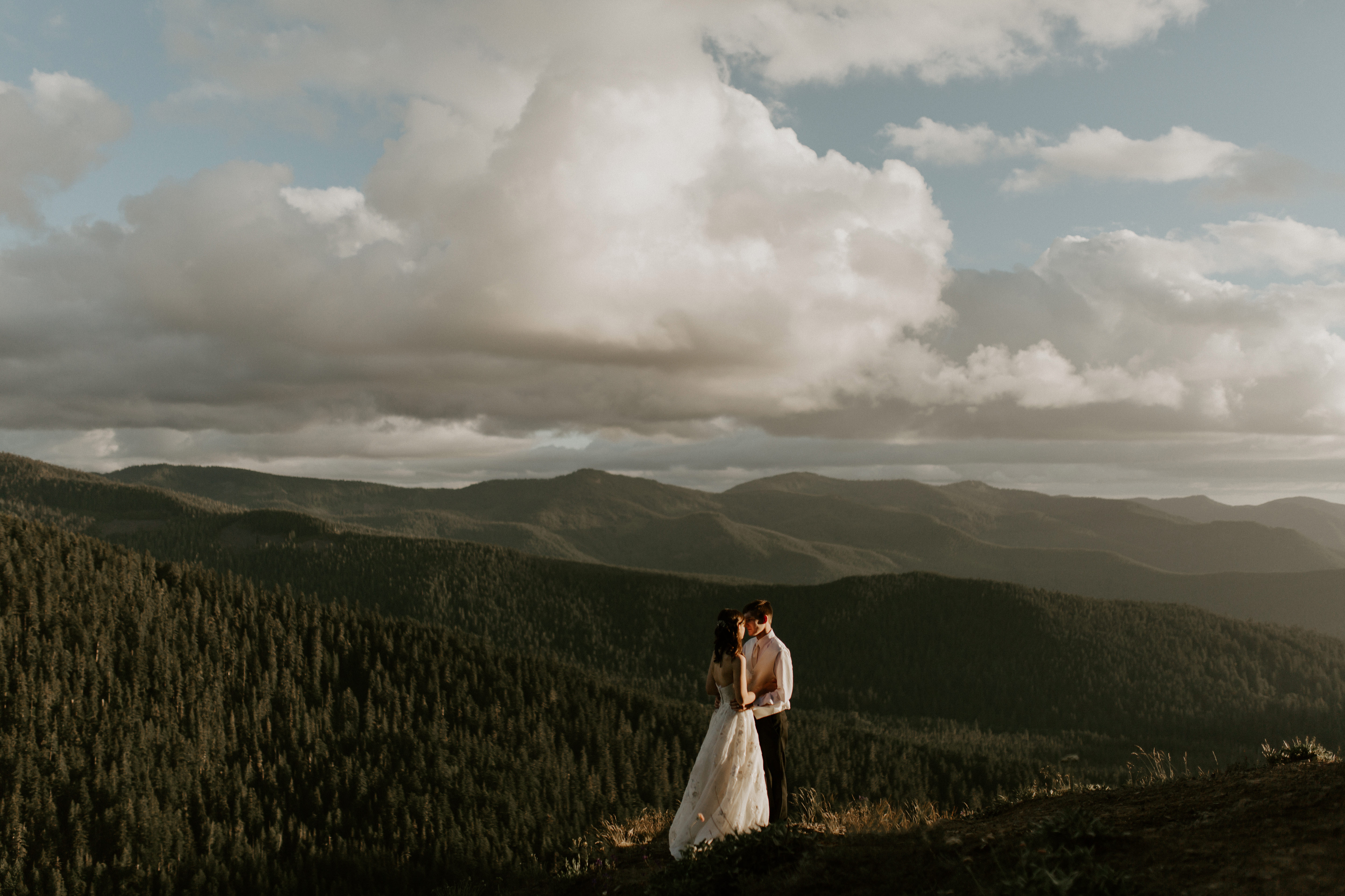 Mount Hood Elopement Photography in Oregon.